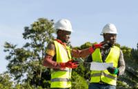 Klimaschützende LED- und Solarprojekte für Unternehmen in Ghana